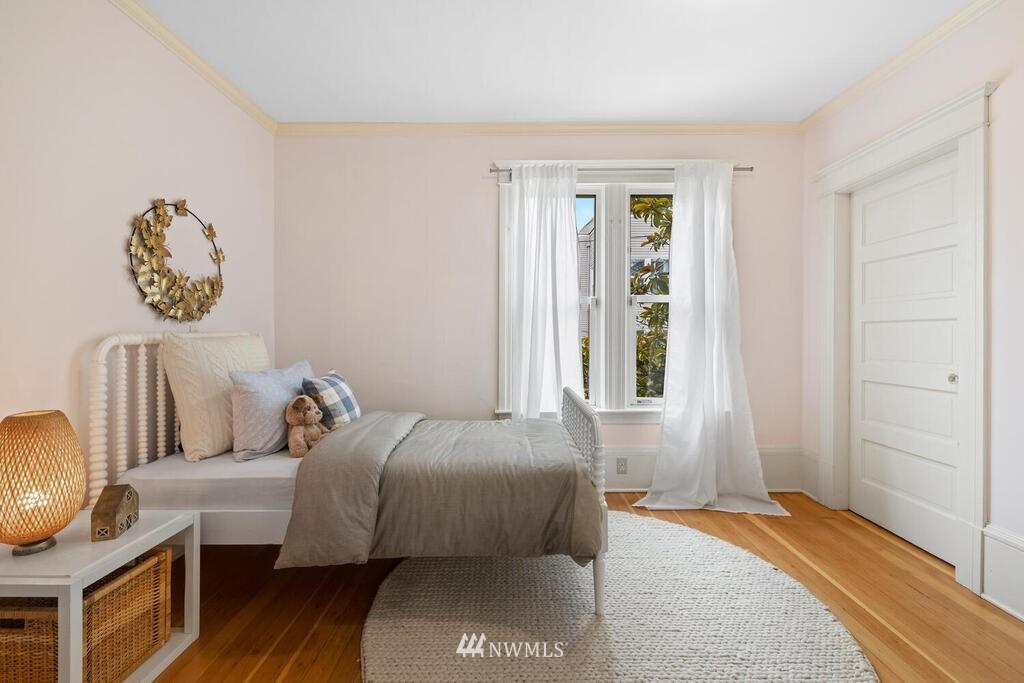 Sold Property | 1714 E Thomas Street Seattle, WA 98112 22