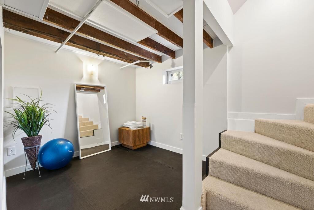 Sold Property | 1714 E Thomas Street Seattle, WA 98112 25