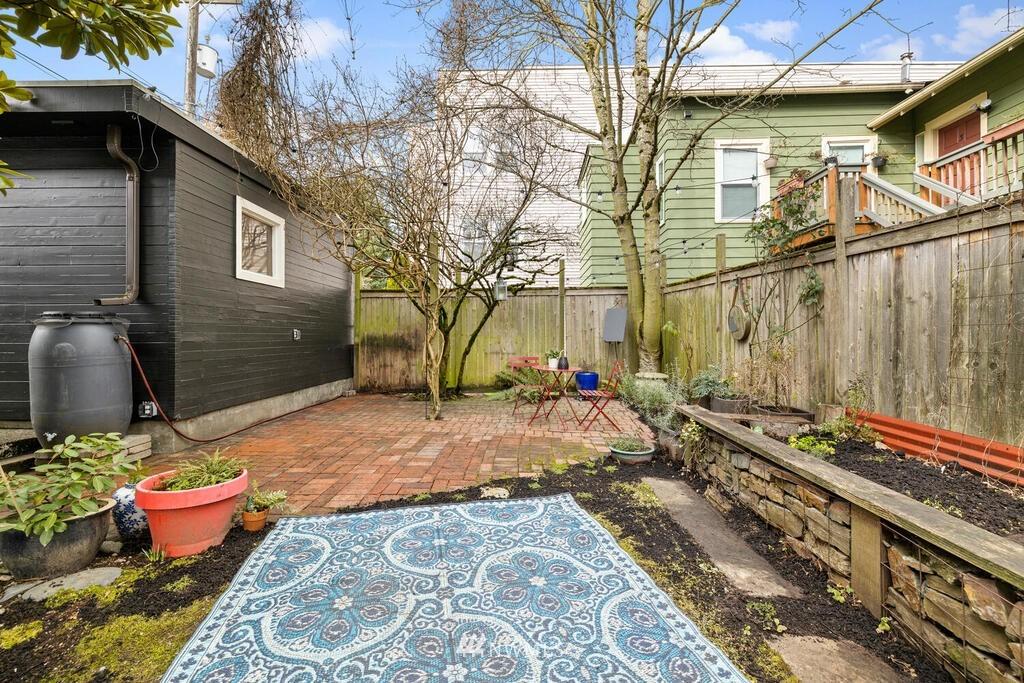 Sold Property | 1714 E Thomas Street Seattle, WA 98112 33