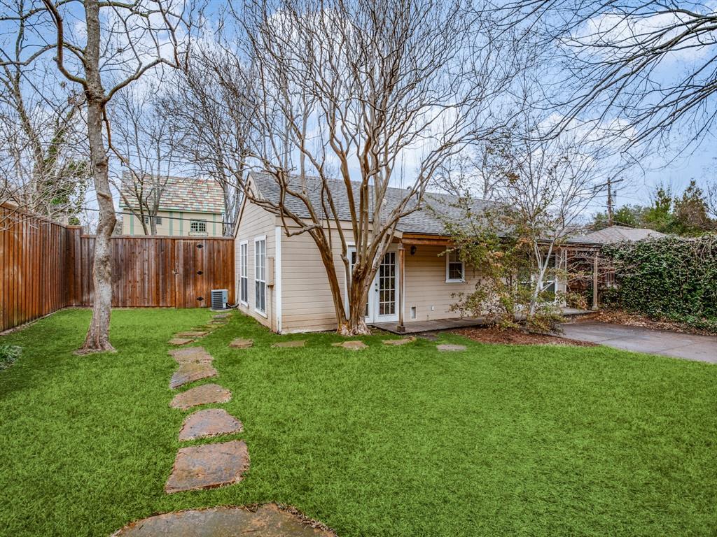 Active Option Contract | 7021 Lakeshore Drive Dallas, Texas 75214 27