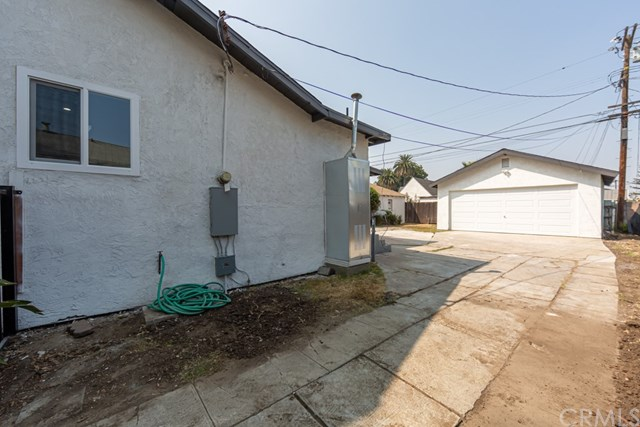 Pending | 629 W 105th Street Los Angeles, CA 90044 27