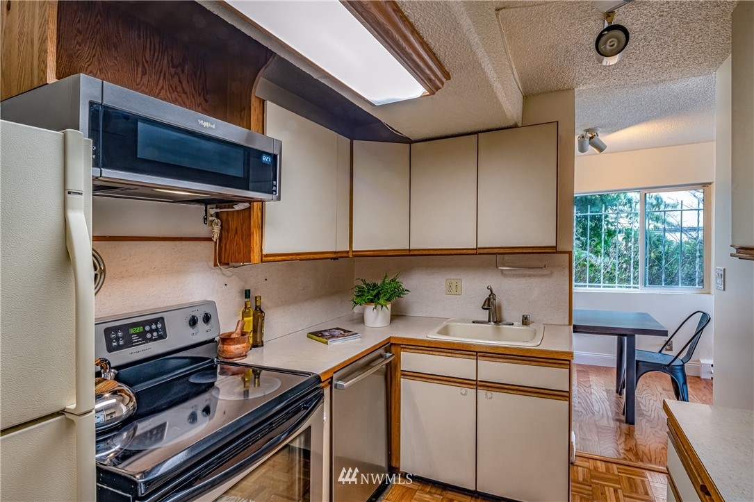 Pending | 308 E Republican Street #102 Seattle, WA 98102 16