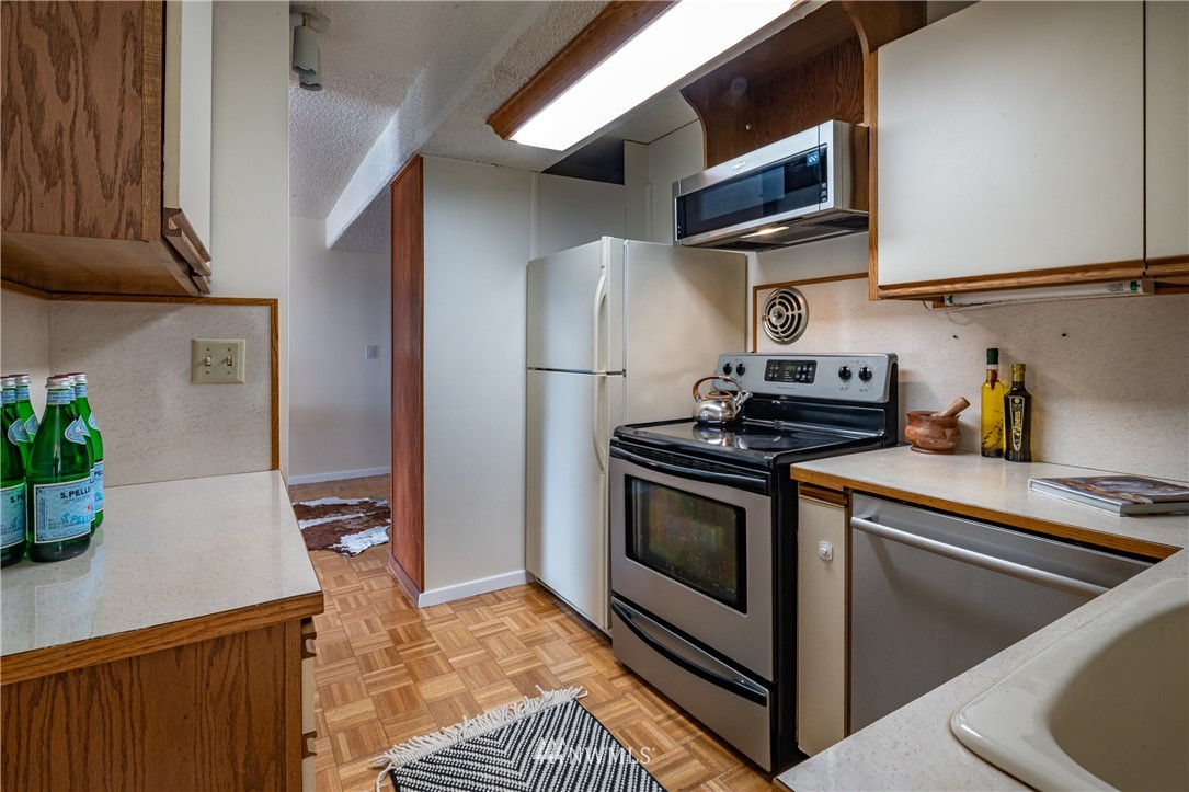 Pending | 308 E Republican Street #102 Seattle, WA 98102 17