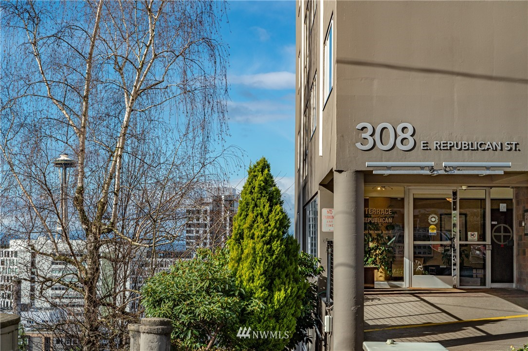 Pending | 308 E Republican Street #102 Seattle, WA 98102 27