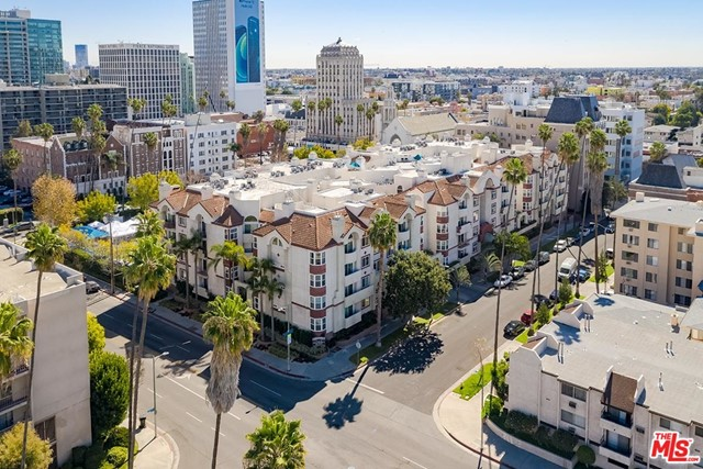 Off Market | 620 S Gramercy Place #121 Los Angeles, CA 90005 0