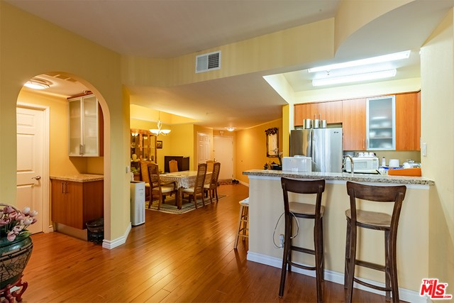 Off Market | 620 S Gramercy Place #121 Los Angeles, CA 90005 8