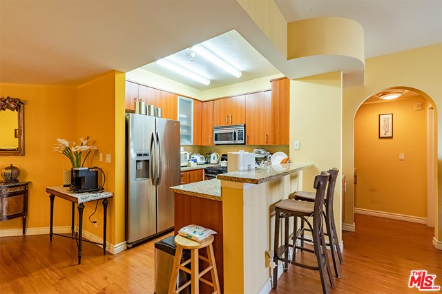 Off Market | 620 S Gramercy Place #121 Los Angeles, CA 90005 9