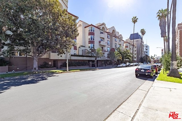 Off Market | 620 S Gramercy Place #121 Los Angeles, CA 90005 22