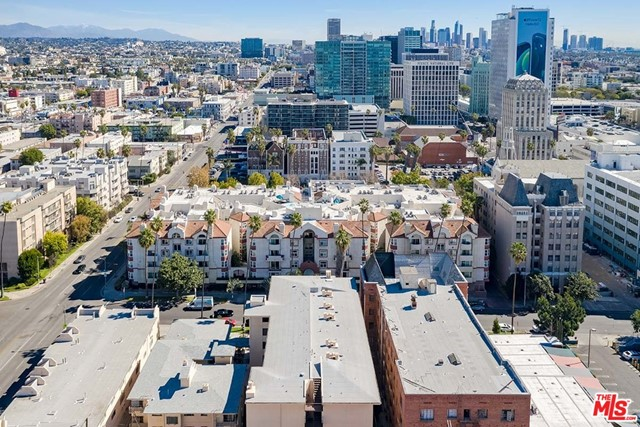 Off Market | 620 S Gramercy Place #121 Los Angeles, CA 90005 23