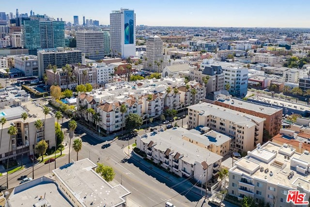 Off Market | 620 S Gramercy Place #121 Los Angeles, CA 90005 24