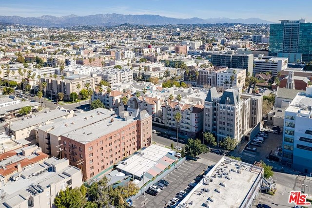 Off Market | 620 S Gramercy Place #121 Los Angeles, CA 90005 25