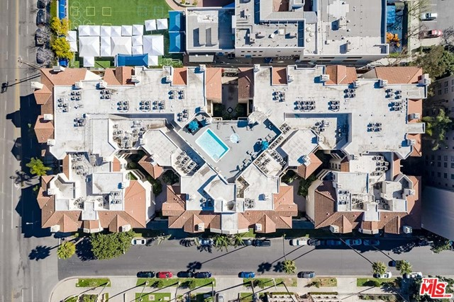 Off Market | 620 S Gramercy Place #121 Los Angeles, CA 90005 27