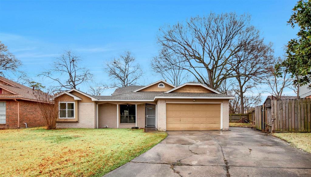 Pending | 13423 Highland Castle Lane Houston, Texas 77015 0