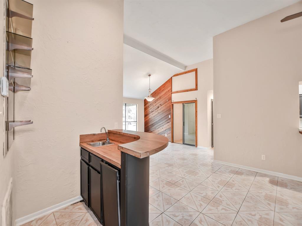 Pending | 13423 Highland Castle Lane Houston, Texas 77015 11