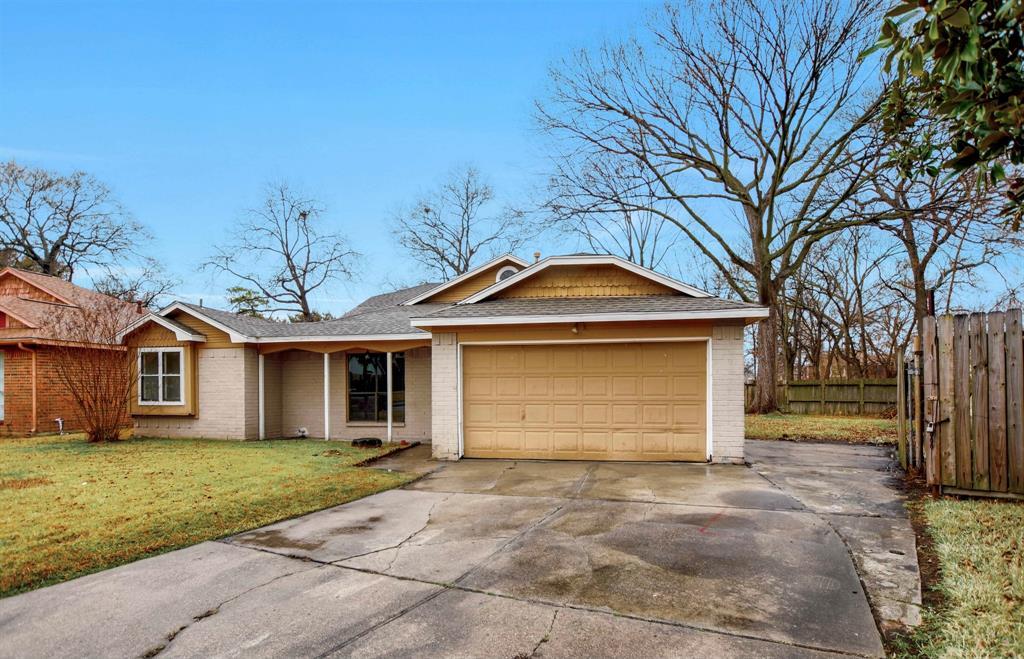 Pending | 13423 Highland Castle Lane Houston, Texas 77015 1