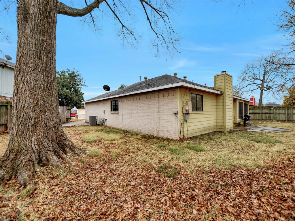 Pending | 13423 Highland Castle Lane Houston, Texas 77015 29