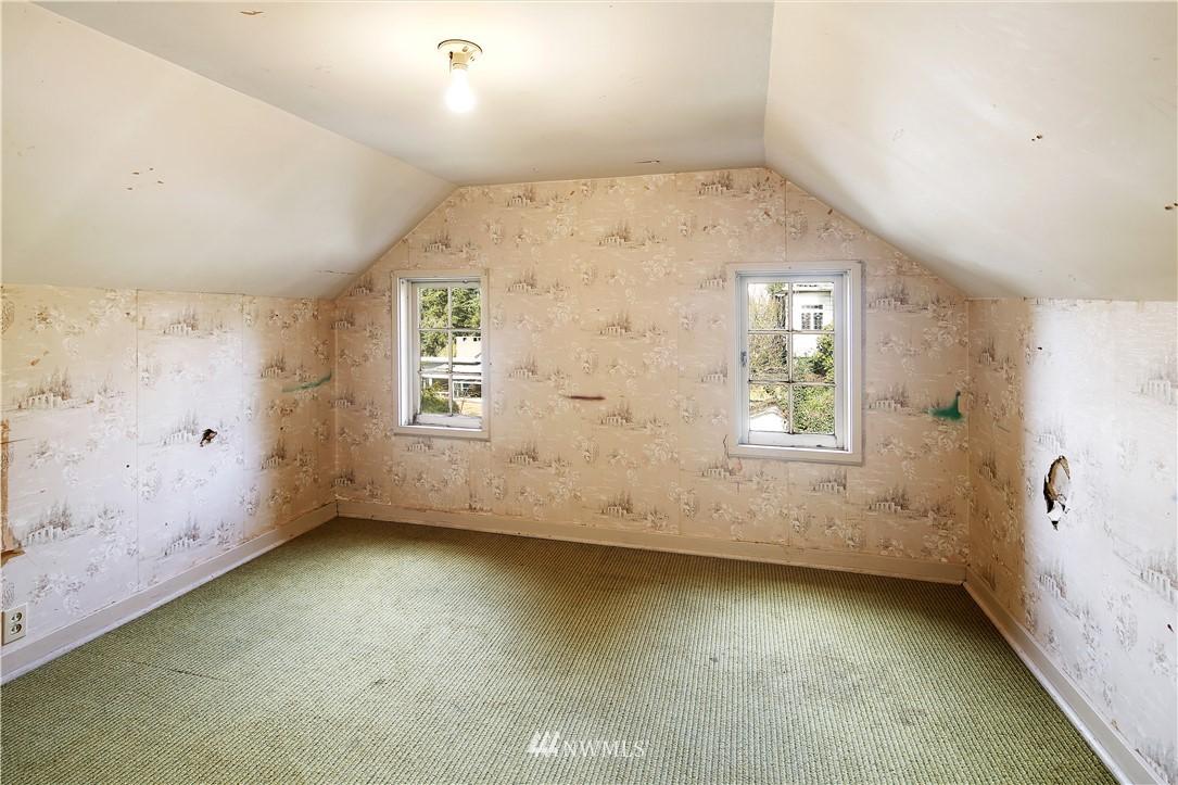 Sold Property | 127 N Argyle Place Seattle, WA 98103 25