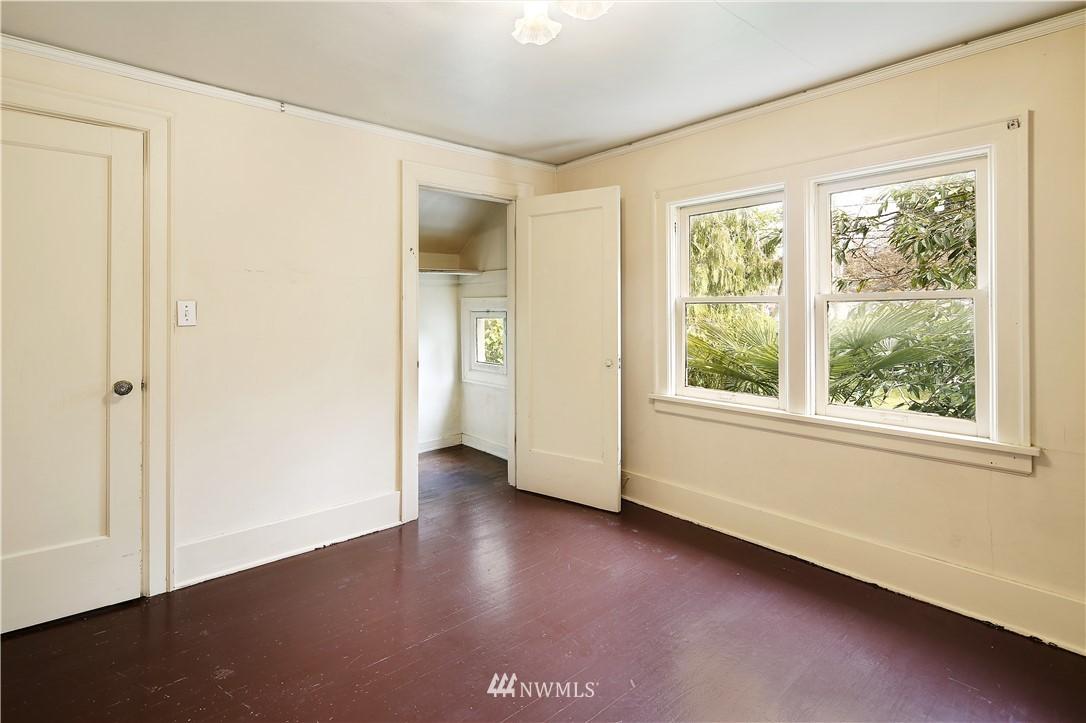 Sold Property | 127 N Argyle Place Seattle, WA 98103 24