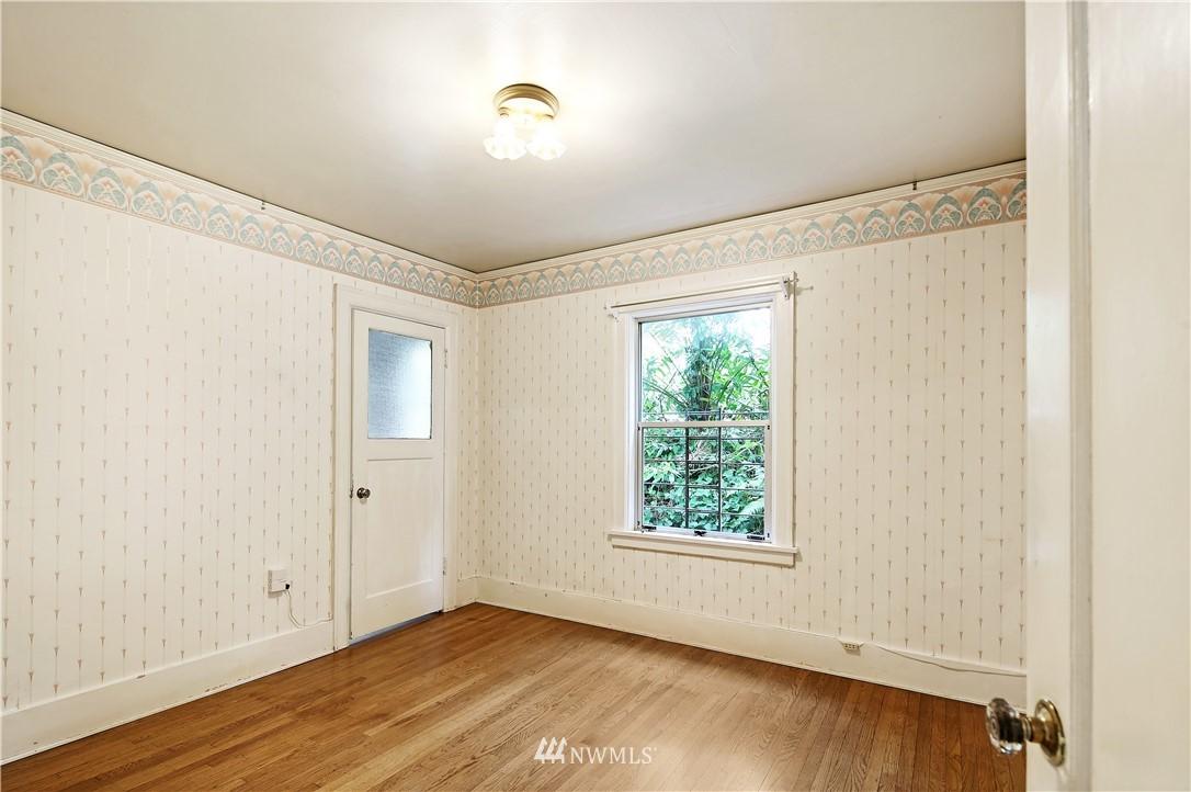 Sold Property | 127 N Argyle Place Seattle, WA 98103 20