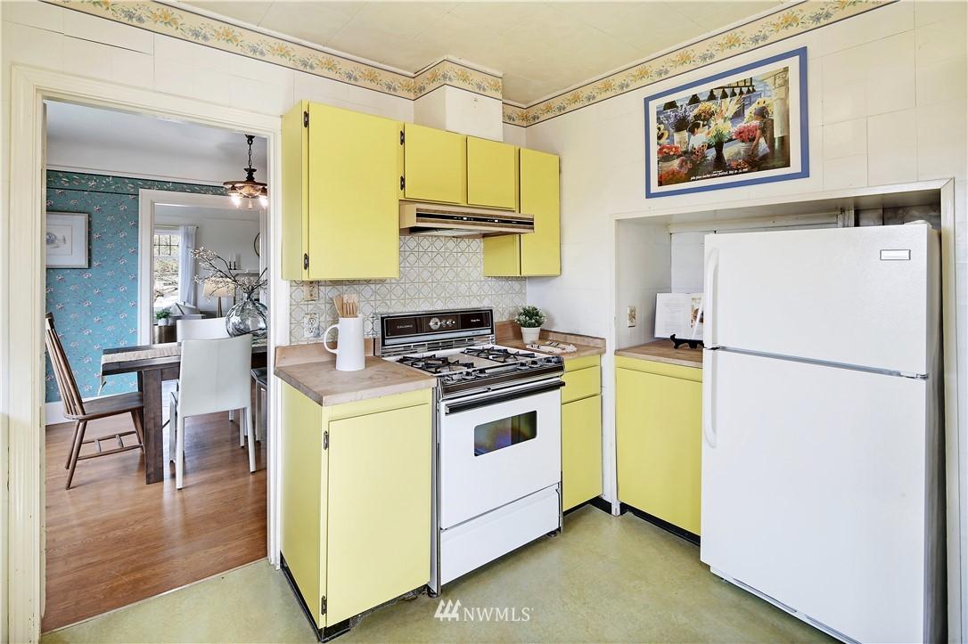 Sold Property | 127 N Argyle Place Seattle, WA 98103 13