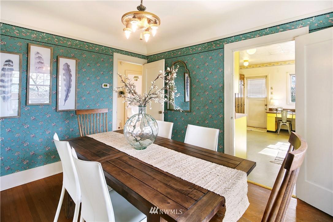 Sold Property | 127 N Argyle Place Seattle, WA 98103 11