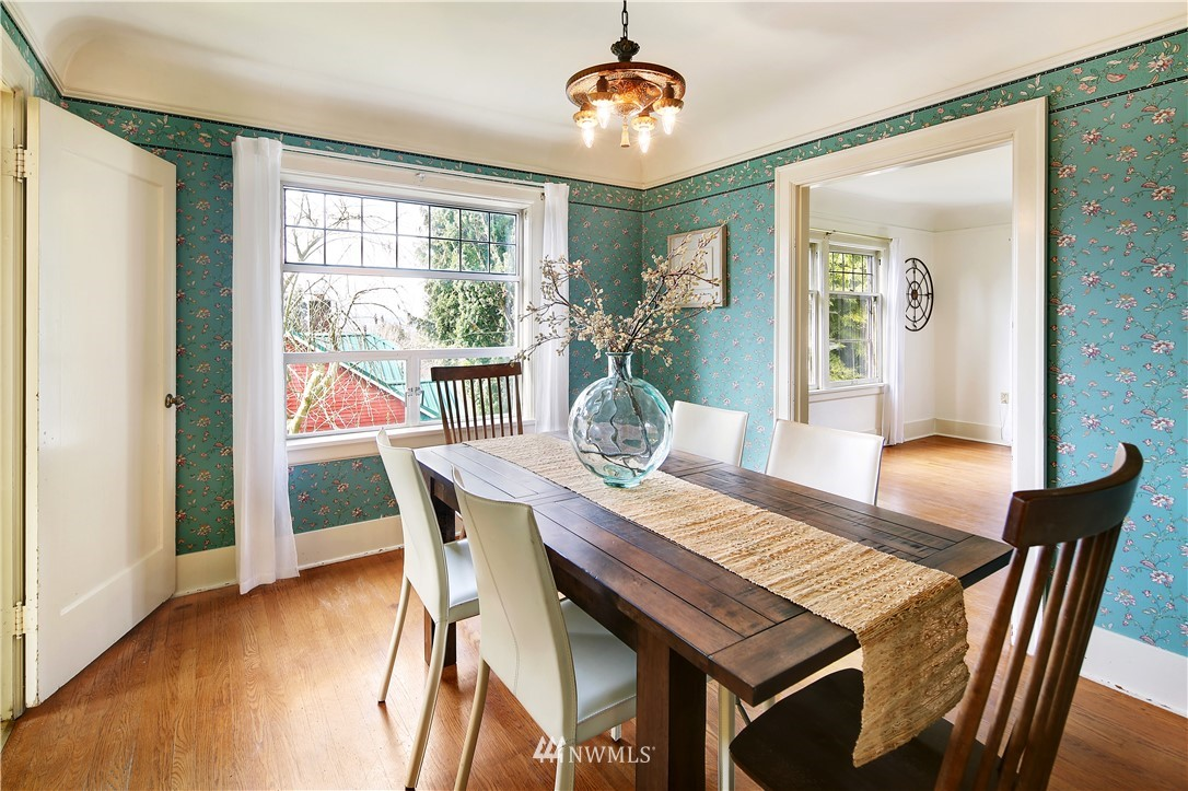Sold Property | 127 N Argyle Place Seattle, WA 98103 9