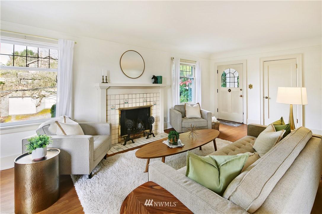 Sold Property | 127 N Argyle Place Seattle, WA 98103 5