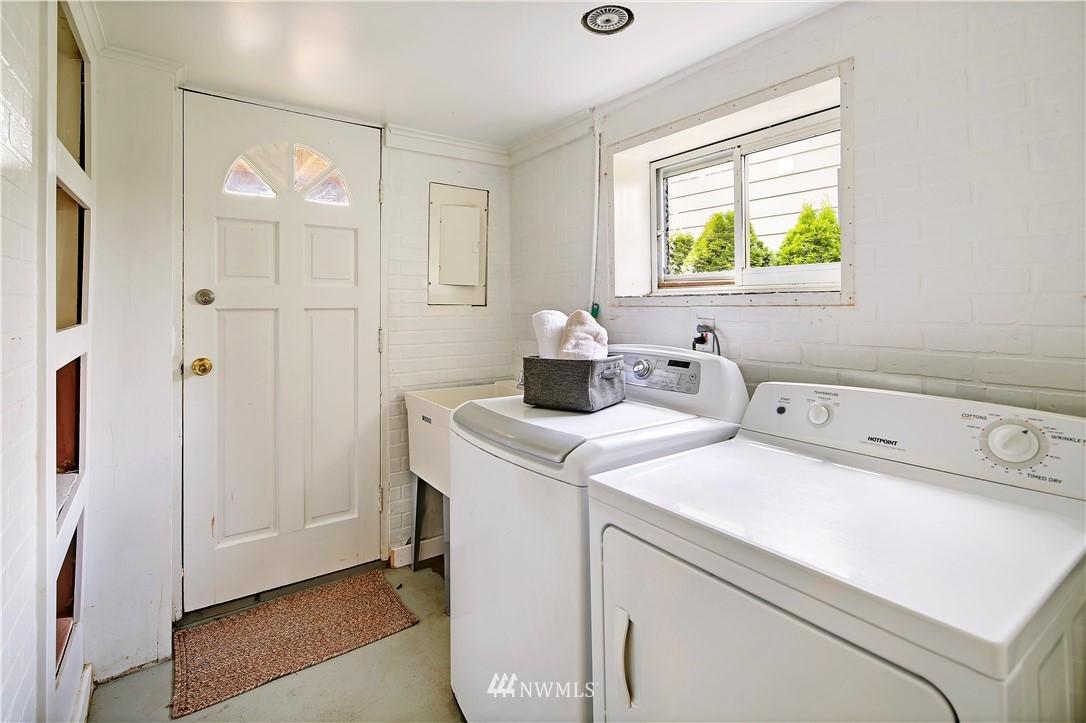 Sold Property | 127 N Argyle Place Seattle, WA 98103 27