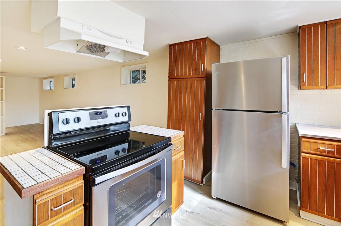 Sold Property | 127 N Argyle Place Seattle, WA 98103 30