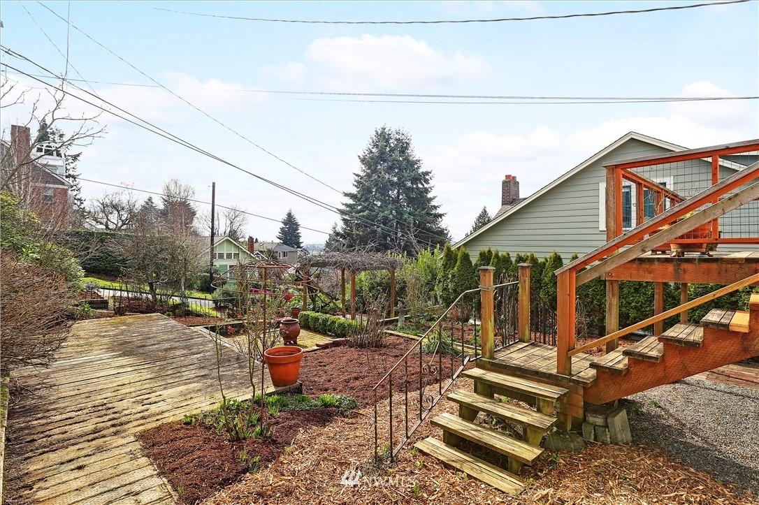 Sold Property | 127 N Argyle Place Seattle, WA 98103 33