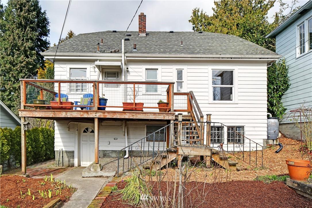 Sold Property | 127 N Argyle Place Seattle, WA 98103 32