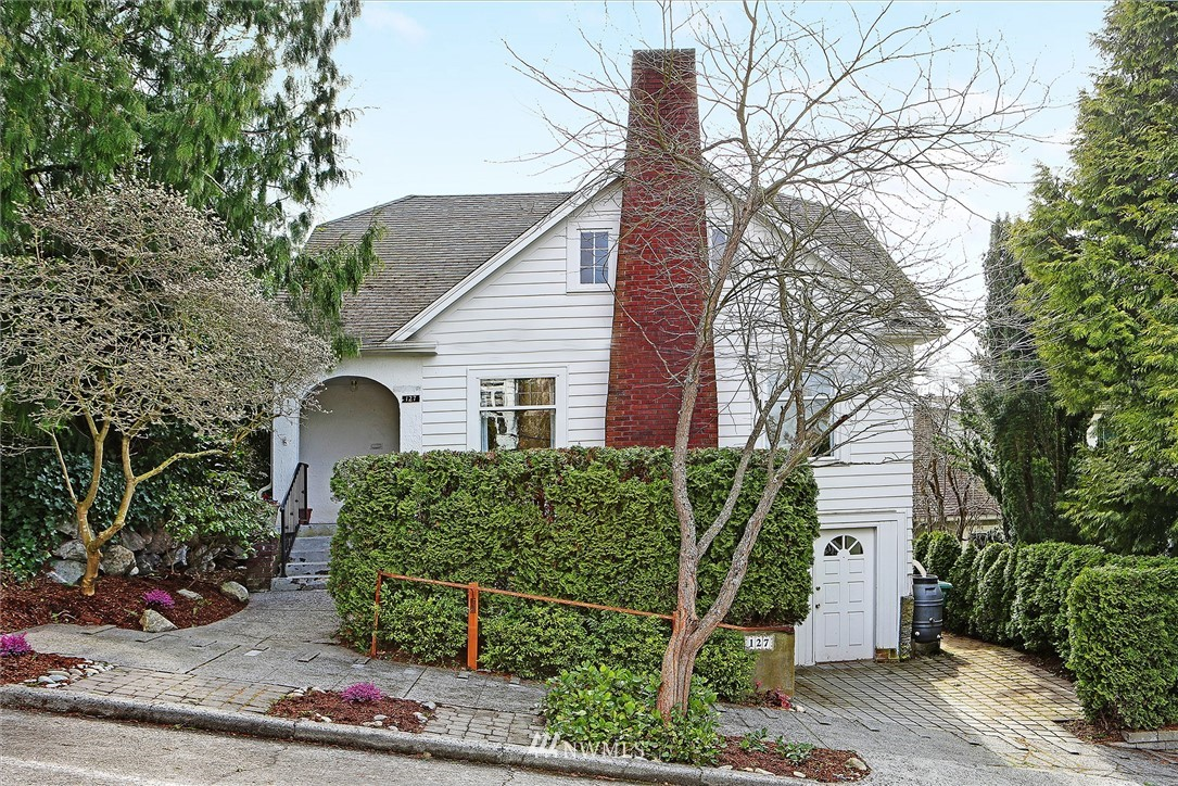 Sold Property | 127 N Argyle Place Seattle, WA 98103 2