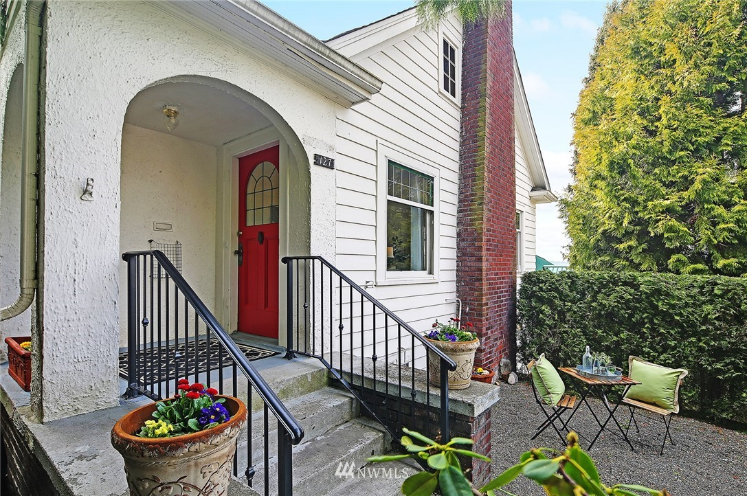 Sold Property | 127 N Argyle Place Seattle, WA 98103 0