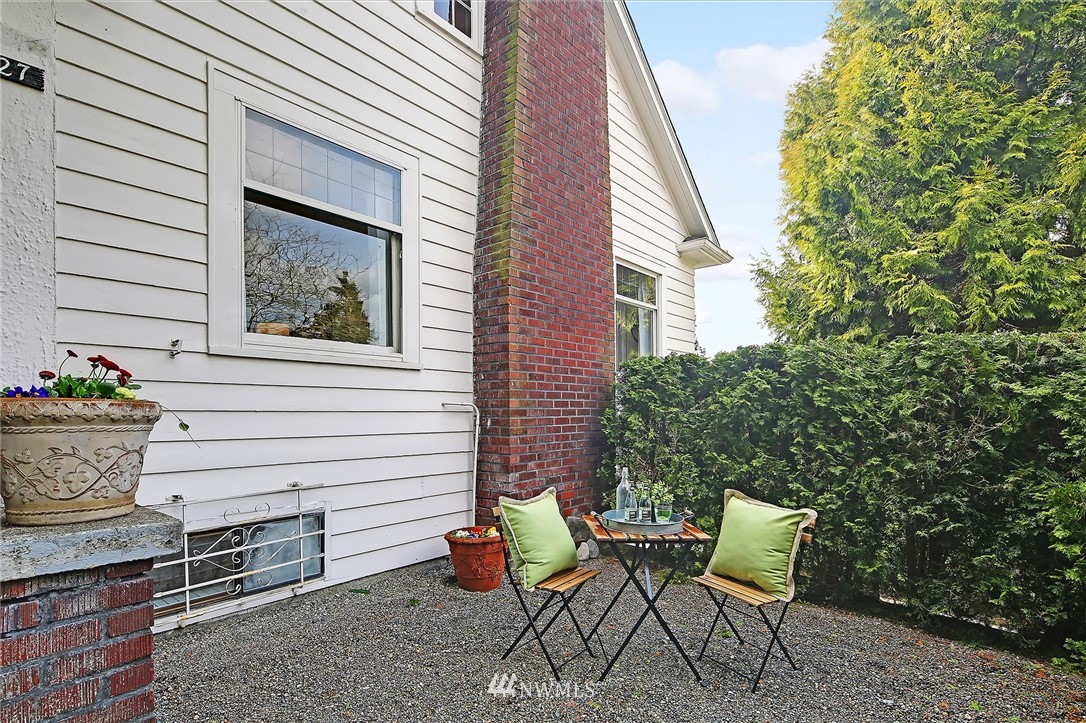 Sold Property | 127 N Argyle Place Seattle, WA 98103 1