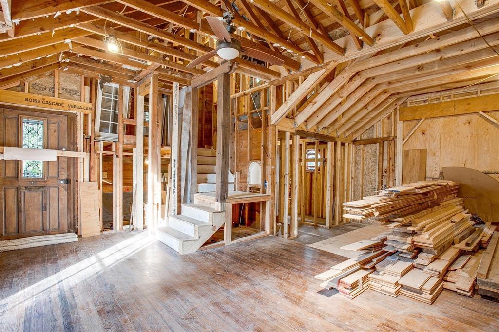 Sold Property   1242 Woodlawn Avenue Dallas, Texas 75208 1