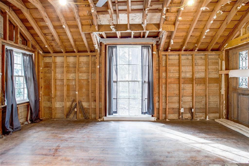 Sold Property   1242 Woodlawn Avenue Dallas, Texas 75208 2
