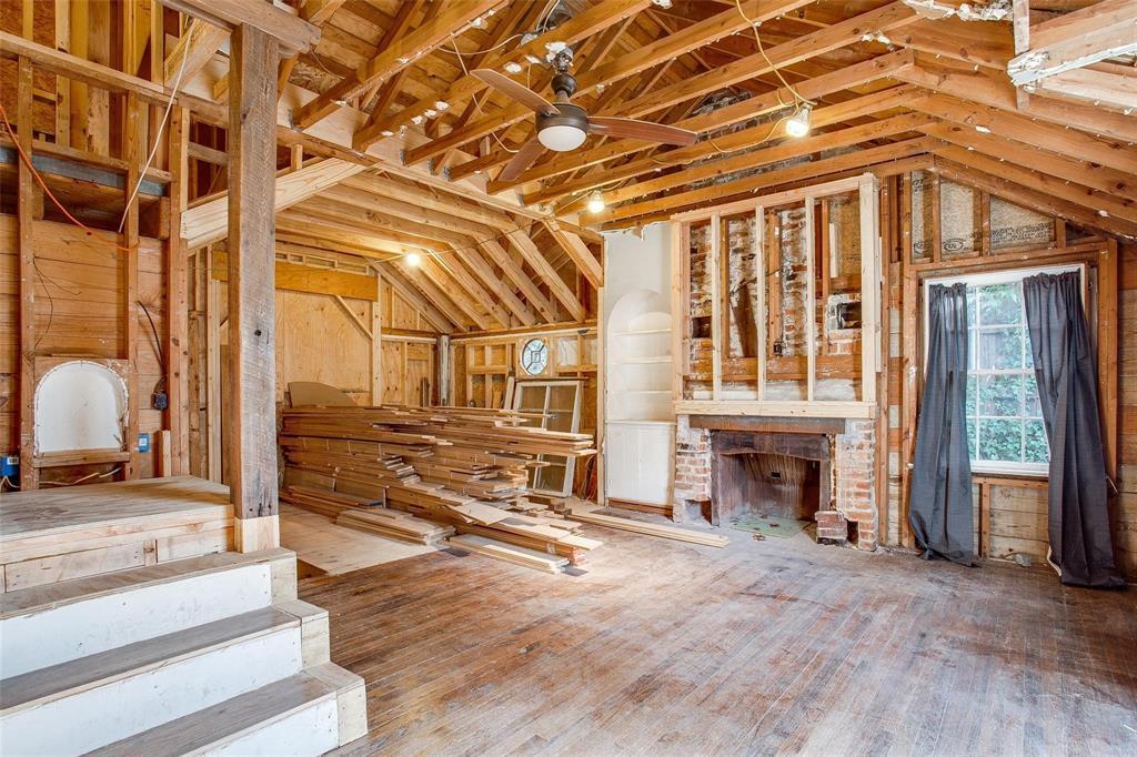 Sold Property   1242 Woodlawn Avenue Dallas, Texas 75208 3