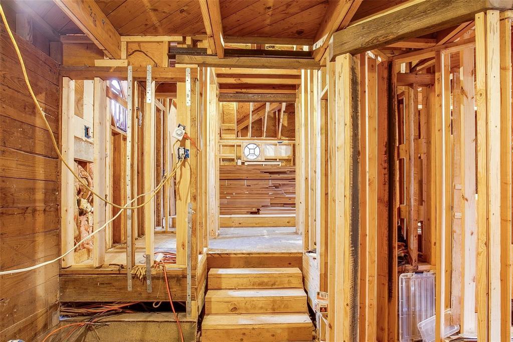 Sold Property   1242 Woodlawn Avenue Dallas, Texas 75208 6