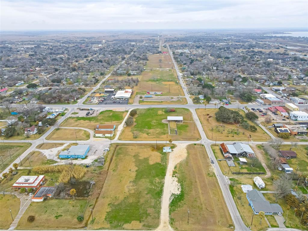 Active | 00 Bay Drive Palacios, Texas 77465 3