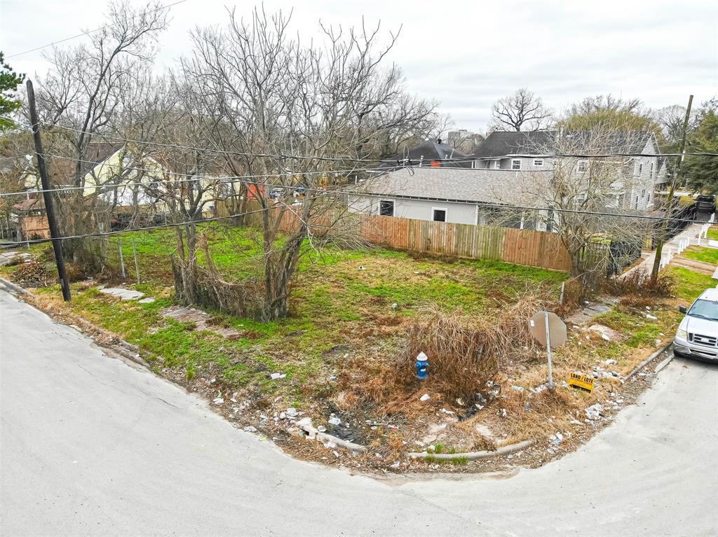 Off Market | 1411 Bayou Street Houston, Texas 77020 0