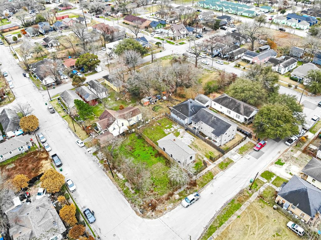 Off Market | 1411 Bayou Street Houston, Texas 77020 7