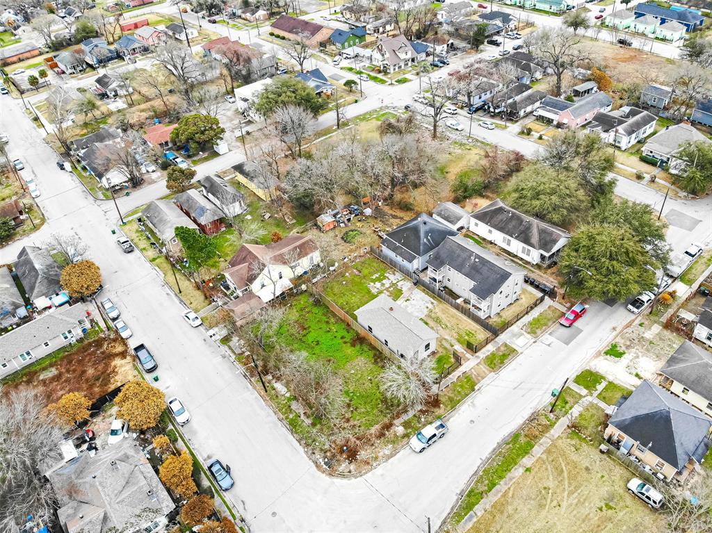 Off Market | 1411 Bayou Street Houston, Texas 77020 8
