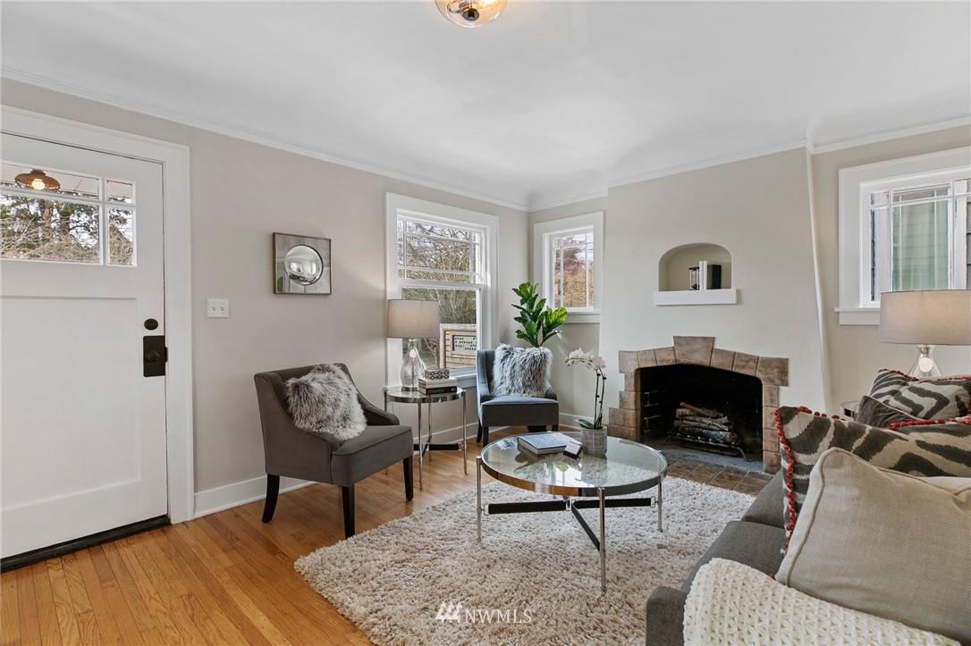 Sold Property | 4724 35th Avenue NE Seattle, WA 98105 1