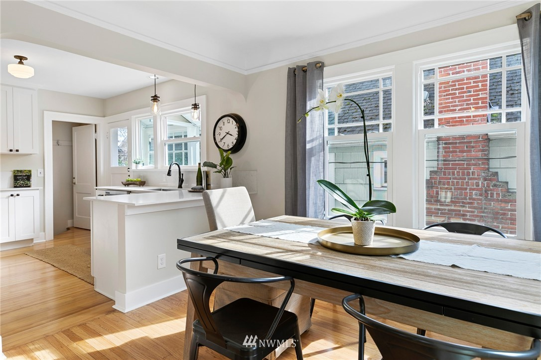 Sold Property | 4724 35th Avenue NE Seattle, WA 98105 3