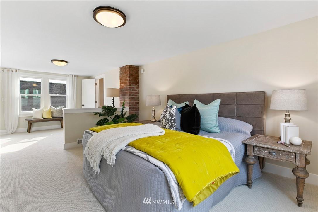 Sold Property | 4724 35th Avenue NE Seattle, WA 98105 9