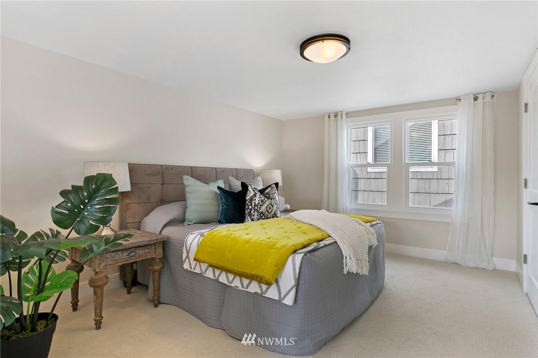 Sold Property | 4724 35th Avenue NE Seattle, WA 98105 13