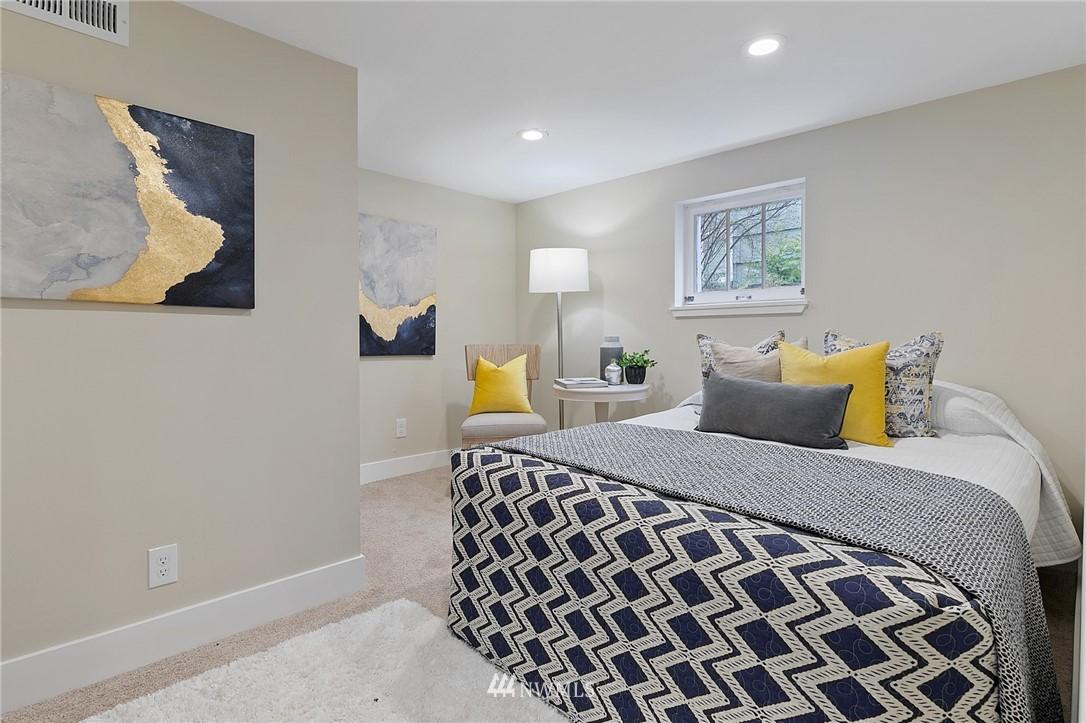 Sold Property | 4724 35th Avenue NE Seattle, WA 98105 17