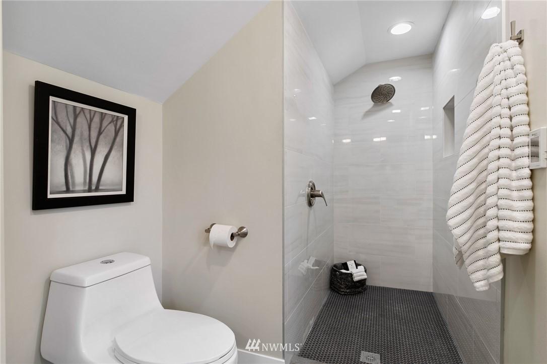 Sold Property | 4724 35th Avenue NE Seattle, WA 98105 12