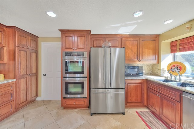 Pending | 2439 Olympic View Drive Chino Hills, CA 91709 26