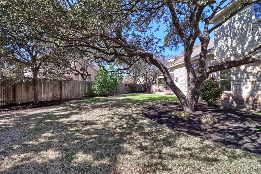 ActiveUnderContract | 2608 Shire Ridge Drive Austin, TX 78732 34